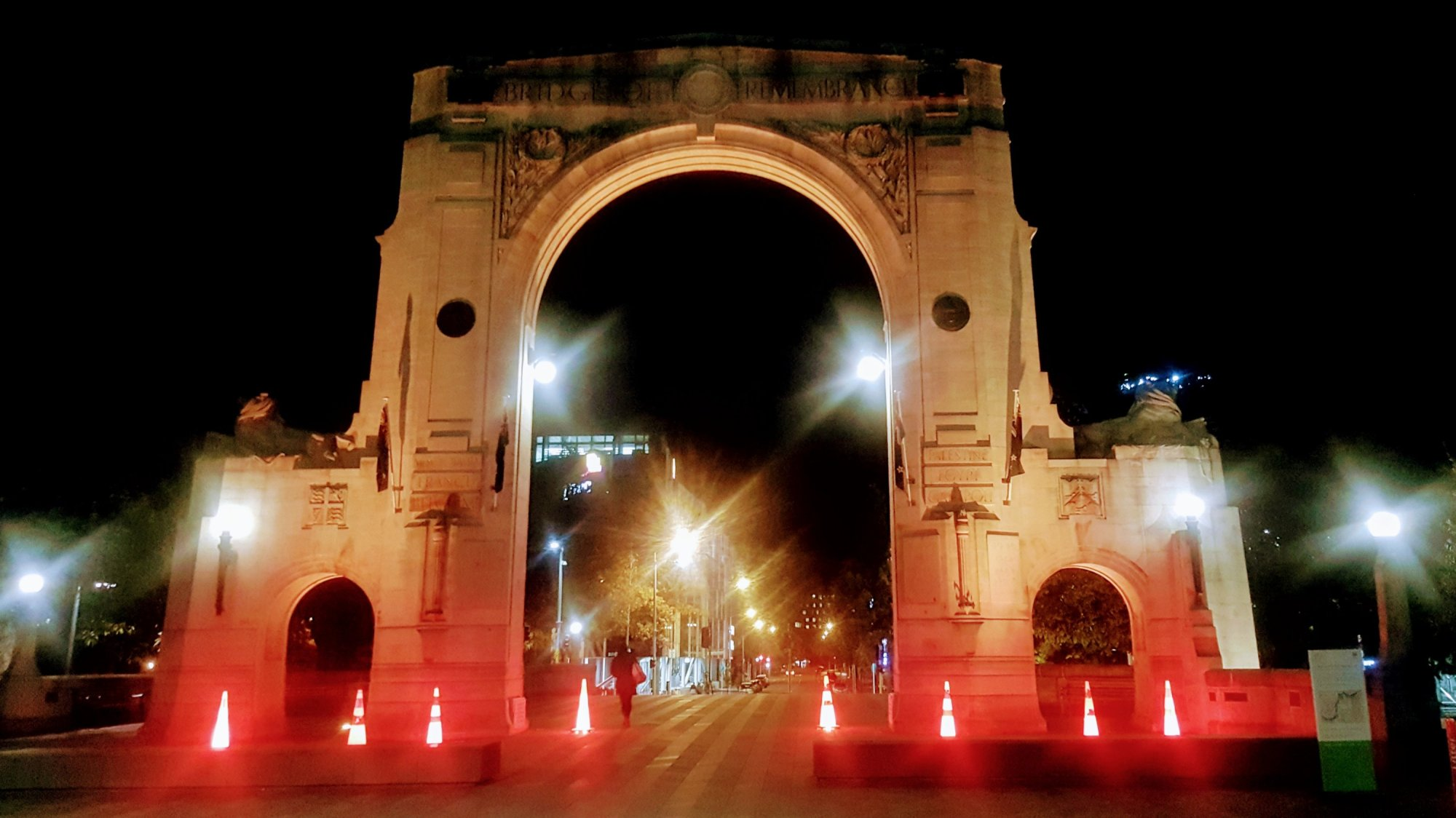 1-bridge-of-remembrance-christchurch-01