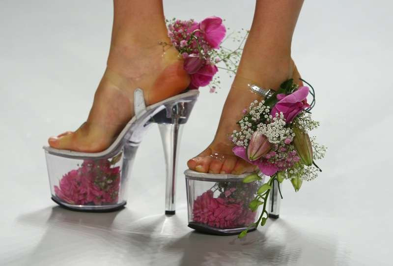 10 weird wedding shoe 010