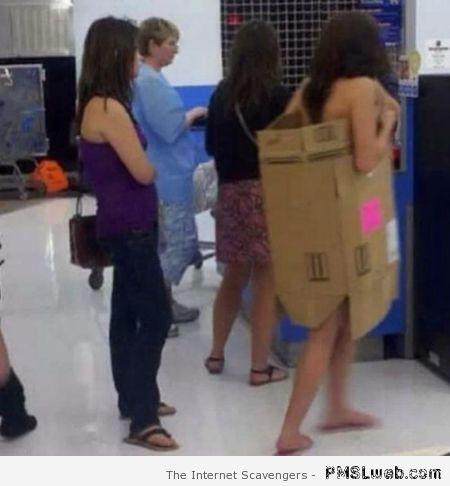 16-cardboard-box-fashion-people-of-walmart-016