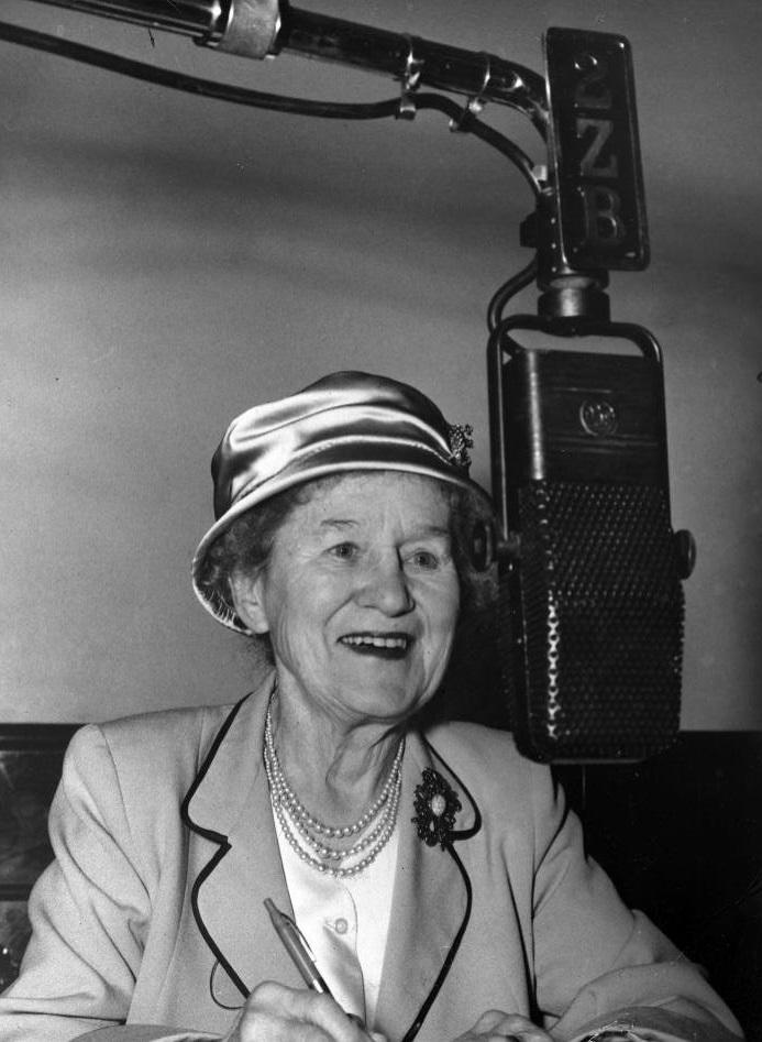 1959-Aunt_Daisy-45678