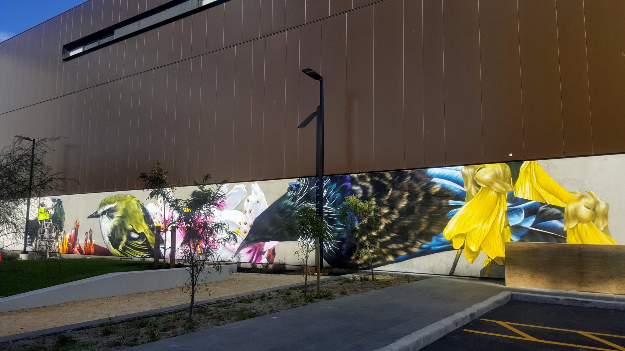 3-mural-being-painted-03