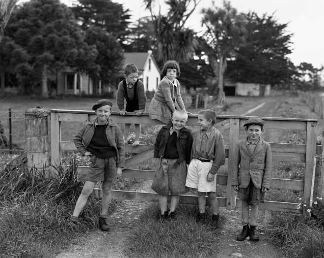 5 polish children at the camp 05