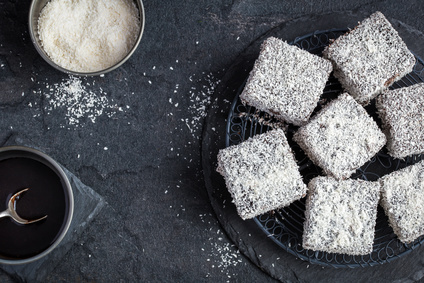 australian lamington cakes with chocolate and coconut