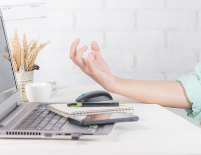 Wellness tips for office workers suffering from arthritis