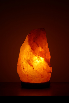 Salt Lamps Positive Energy : Why salt lamps are more than just a decor trend - GrownUps New Zealand