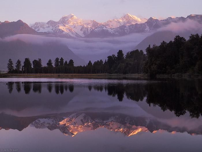 Lake-Matheson-in-New-Zealand_Beautiful-sunset_4764-1