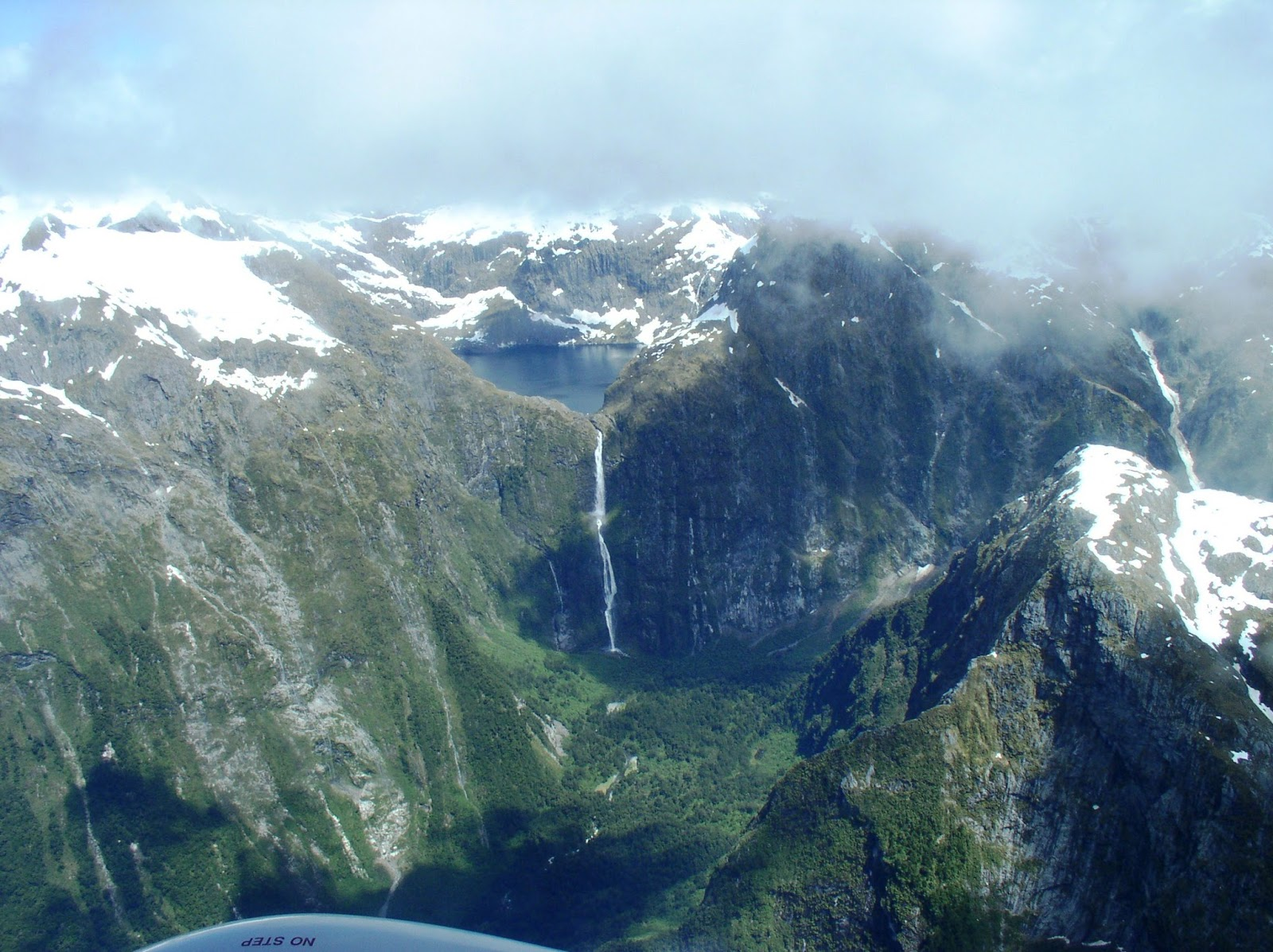 Lake-Quill-Sutherland-Falls-New-Zealand-9