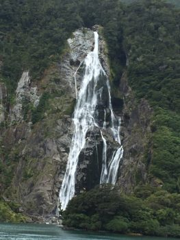 milford-sound-waterfall