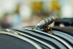 Sicherheitsschloss am Reisekoffer