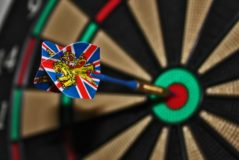 darts-target-bull-s-eye-delivering-37604-large