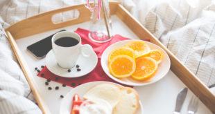 fresh-romantic-morning-breakfast-in-bed-picjumbo-com