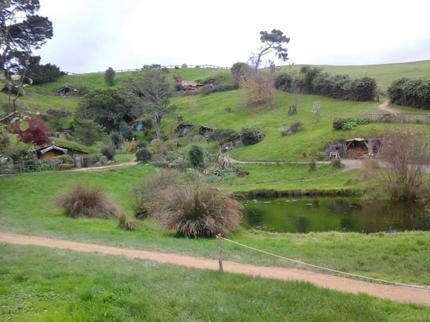 hobbiton-village-3-jpg-photo_9065247-430tall