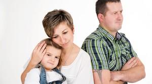 Vater ist sauer ber besorgte Mutter