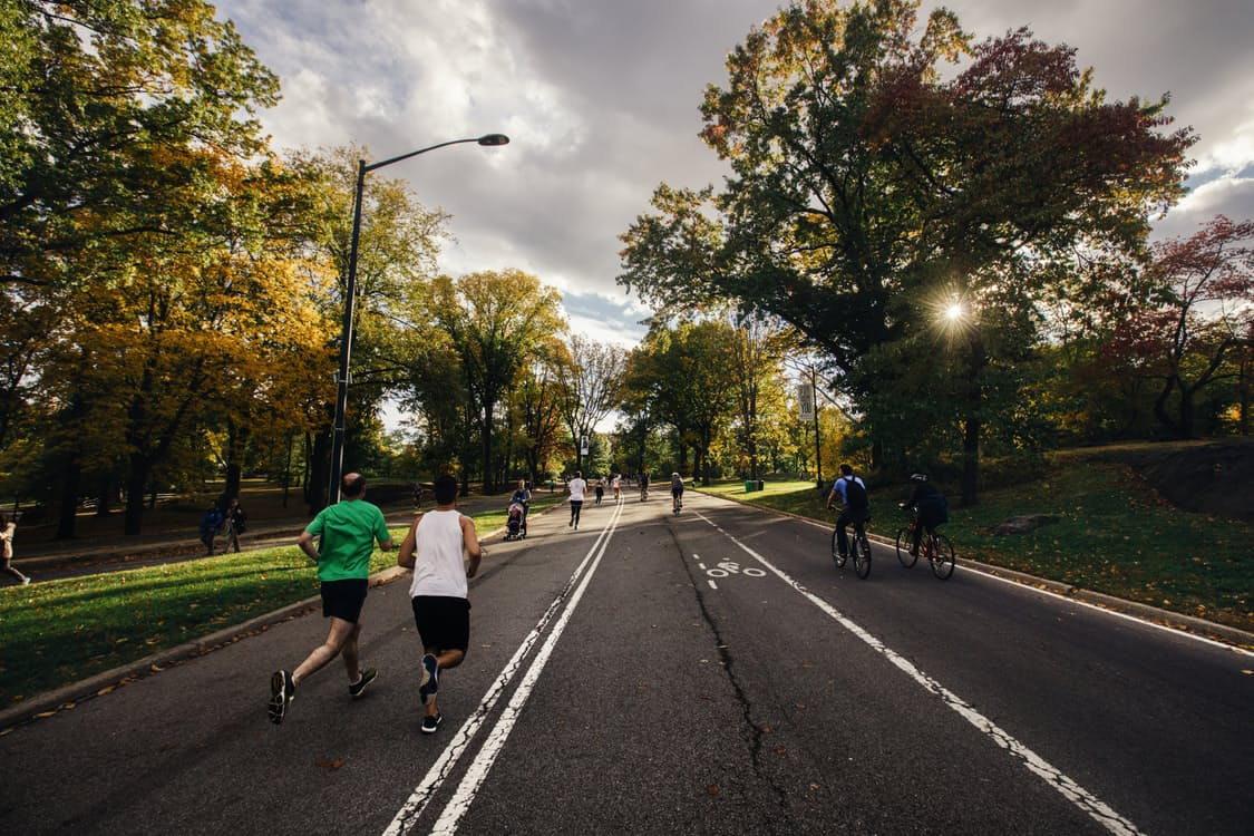 runners in park