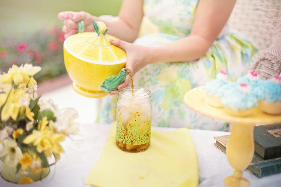 tea-tea-time-person-summer-42322