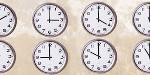muro con orologi
