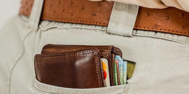 wallet-cash-credit-card-pocket-1